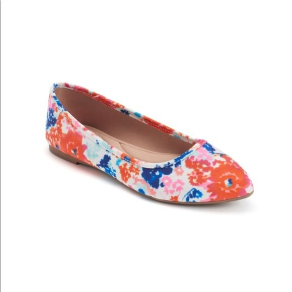 SO Hitide Pointed Toe Flats Multi New